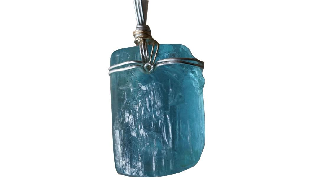 Aquamarine natural crystal pendant